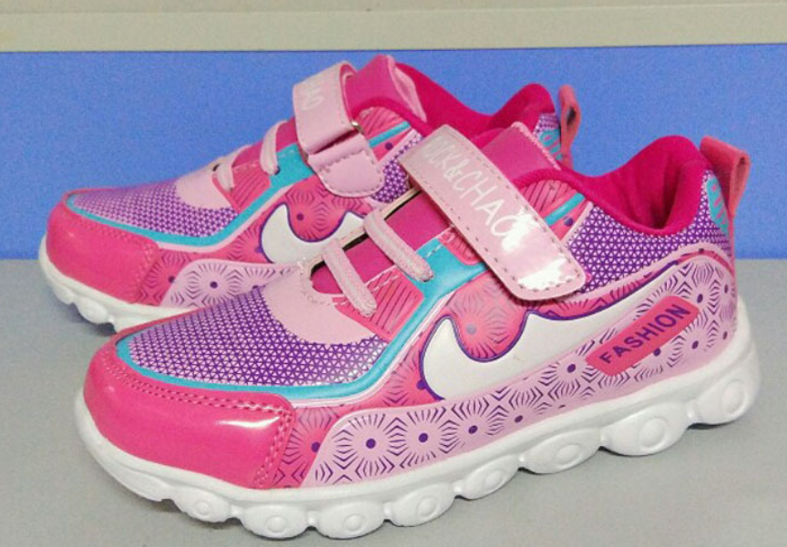 Girl sports shoes
